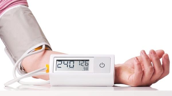 โรคความดันโลหิตสูง คืออะไร อาการ สาเหตุ และวิธีการรักษาความดันโลหิตสูง