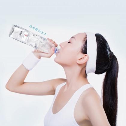 ดื่มน้ำบำรุงผิวขาว